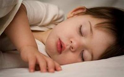 لا تُقَبِّلوا أطفالكم بعد النوم (2)